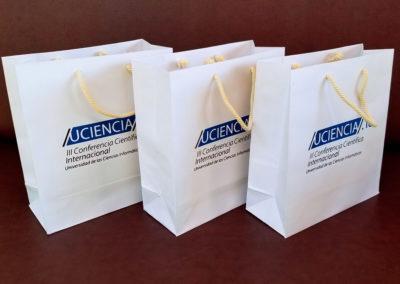 Papelería: bolsas de papel para III Conferencia Científica Internacional UCI